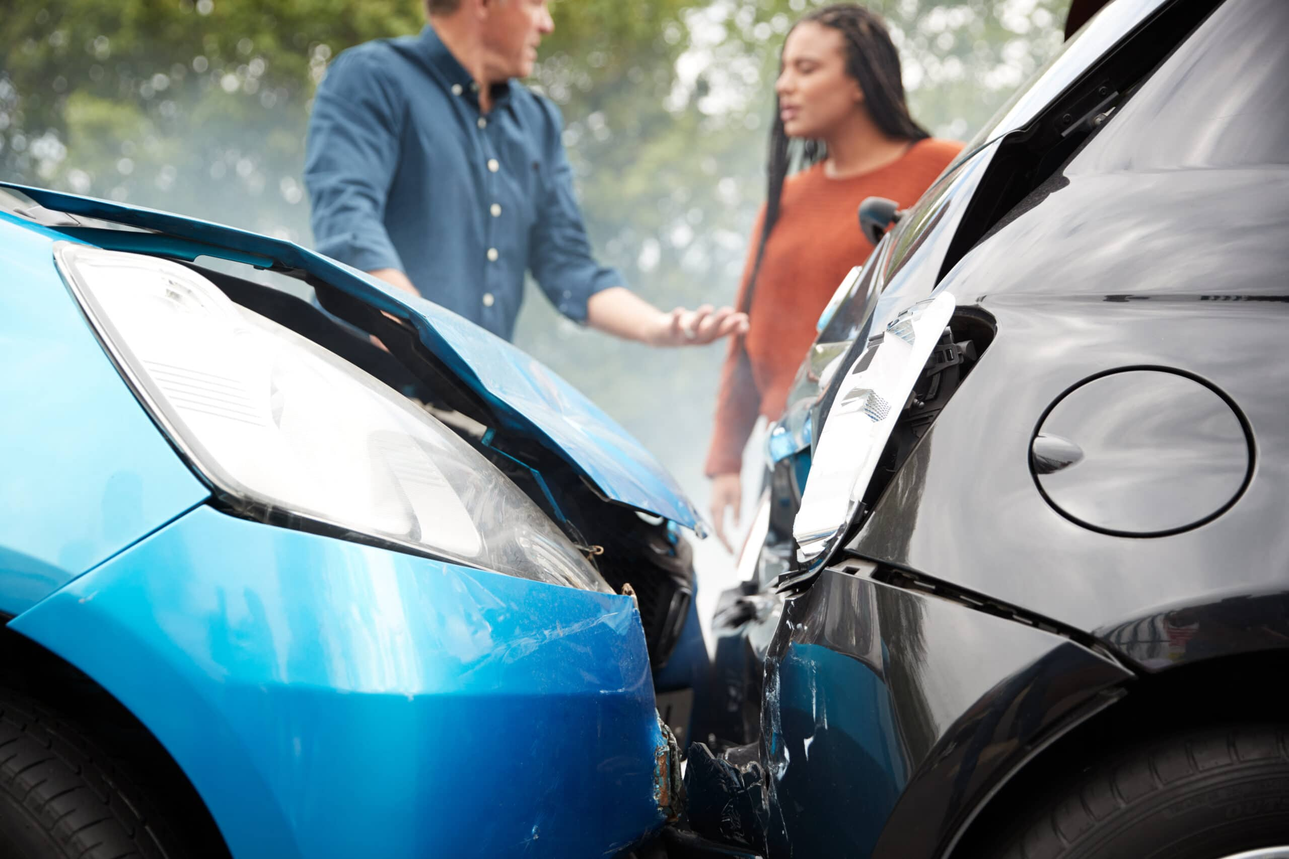 When to lawyer up after a car accident blog image